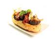 Pan de cebolla con escalibada y bacalao