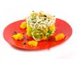 Ensalada de escarola y naranja con gulas y gambas